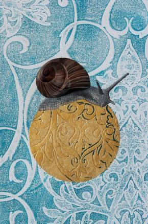 munich artists nina schmid snail on gold globe