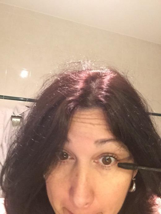 Emmy Horstkamp - mascara-iphone as mirror