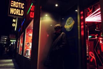 Munich Artists Jeffrey Ely - Sidewalk