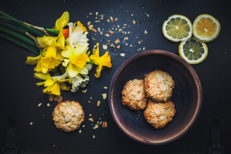 cookies-flower-lemons-bowl-unsplash-creative-commons