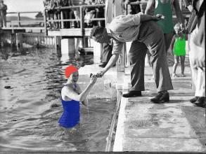 Munich Artists Gabriela Popp - Girl in the Water