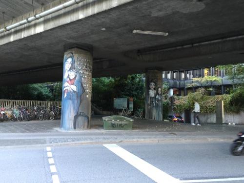 Candidplatz street art mother and child across the street