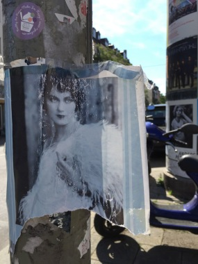 munich-glockenbachviertel-two-women-2015