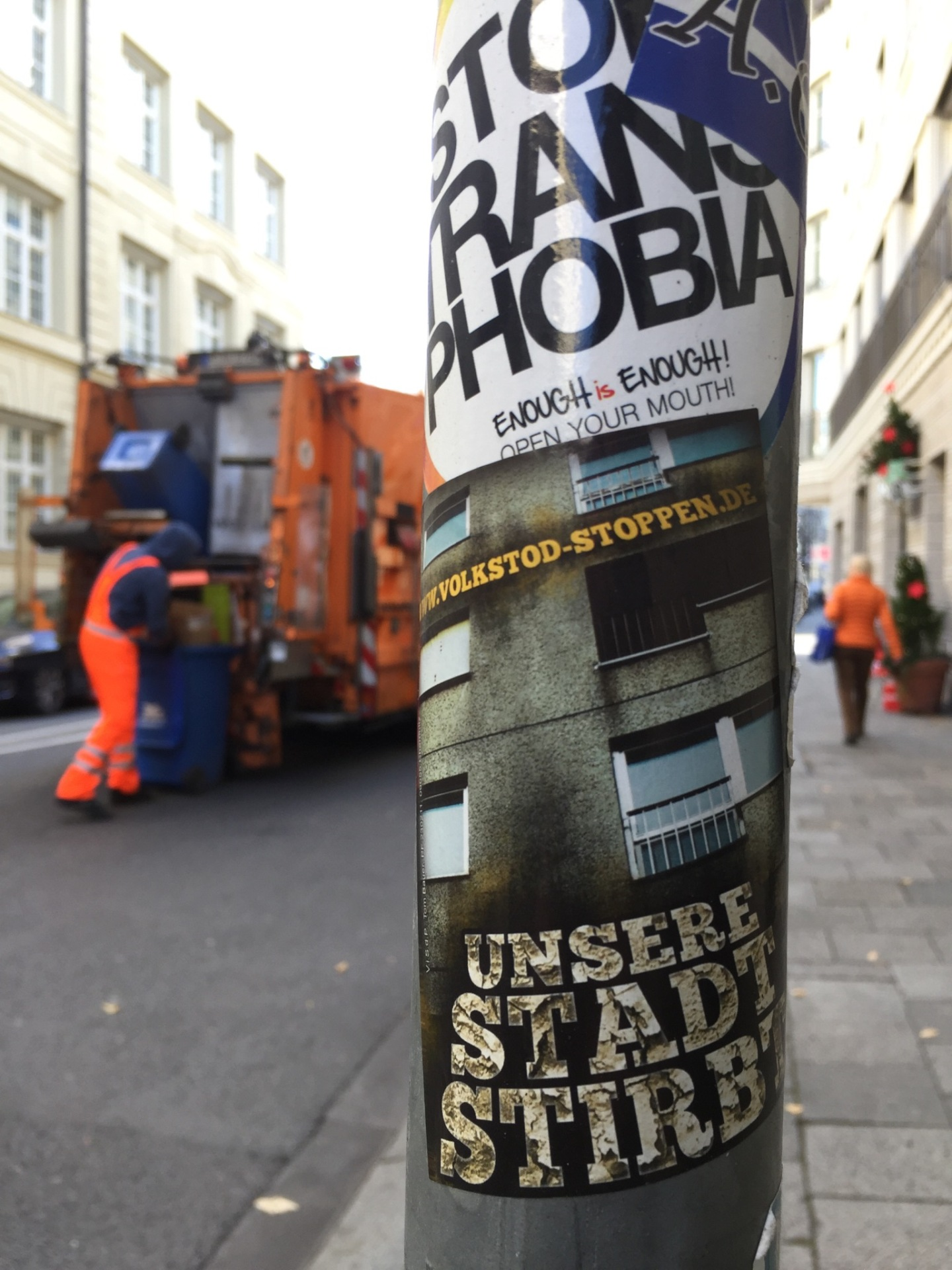 photo by Emmy Horstkamp trashmen on the streets of Munich
