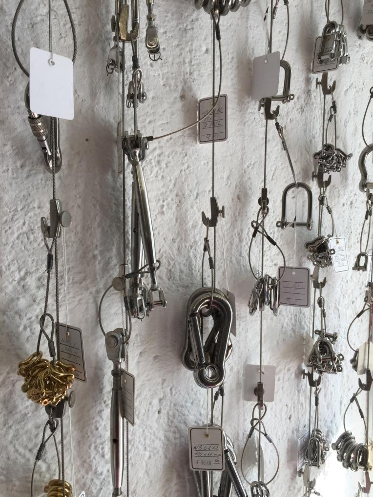 j-kienmoser-munich-artists-emmy-horstkamp-straps-wires-fastners-art-supplies12941035_1005940732794407_1279024738_o