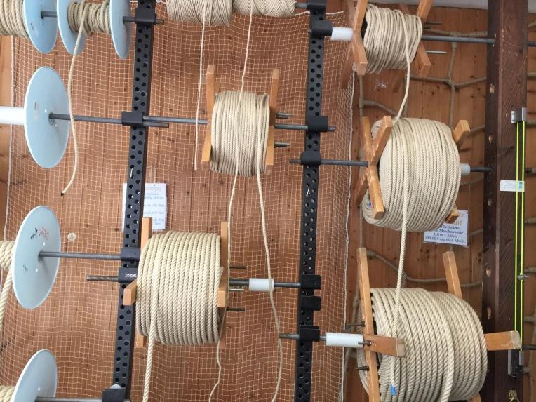j-kienmoser-munich-artists-emmy-horstkamp-straps-wires-fastners-art-supplies12953257_1005893682799112_391926578_o