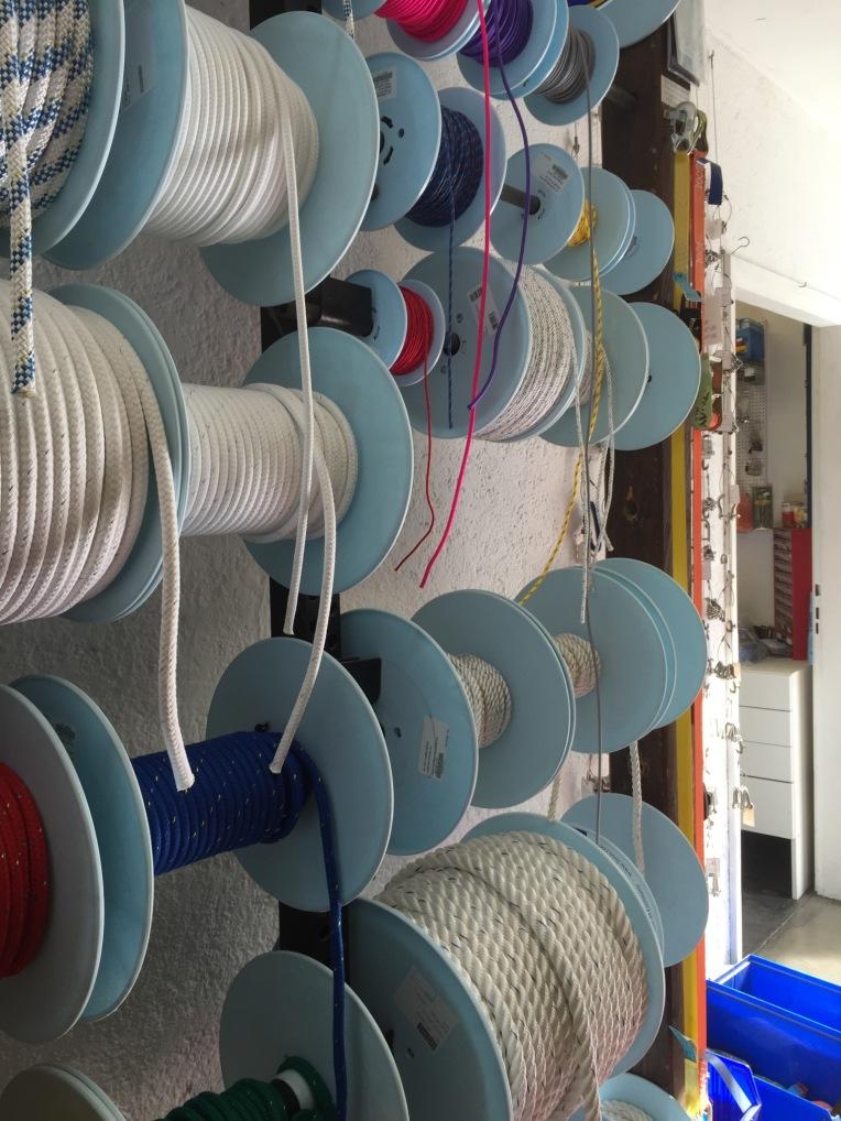 j-kienmoser-munich-artists-emmy-horstkamp-straps-wires-fastners-art-supplies12970714_1005940716127742_1636289867_o